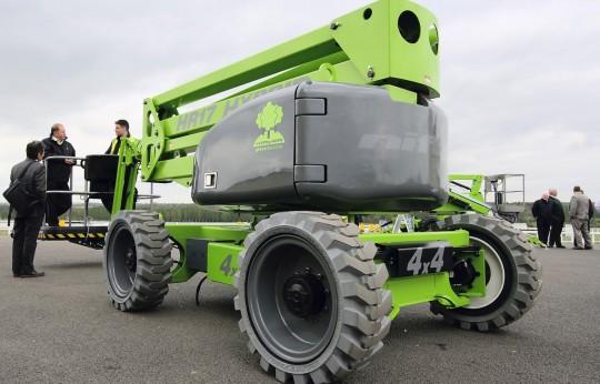 HR17 Hybrid 4x4 eingeführt